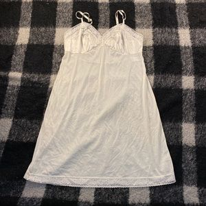 Vtg 60s vanity fair cream slip dress 10